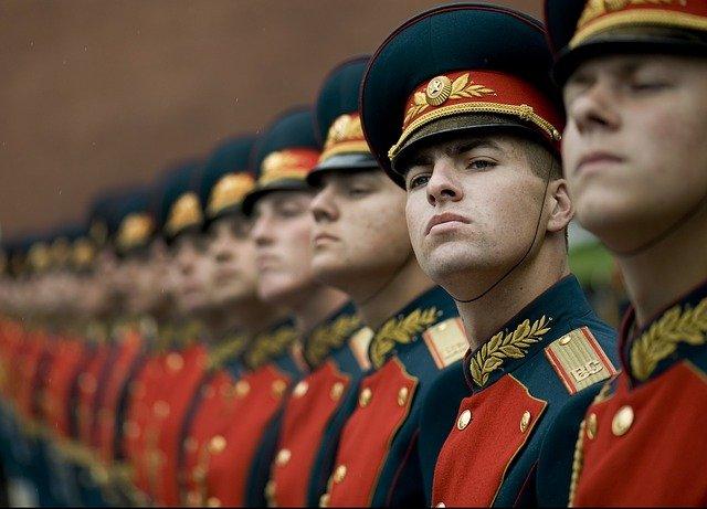 honor-guard-67636_640.jpg.d0013b858bf48b31515c5043cbcdfab8.jpg