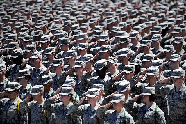 military-652355_640.jpg.8a7a728ef78ebac00b69fd0812e938ac.jpg