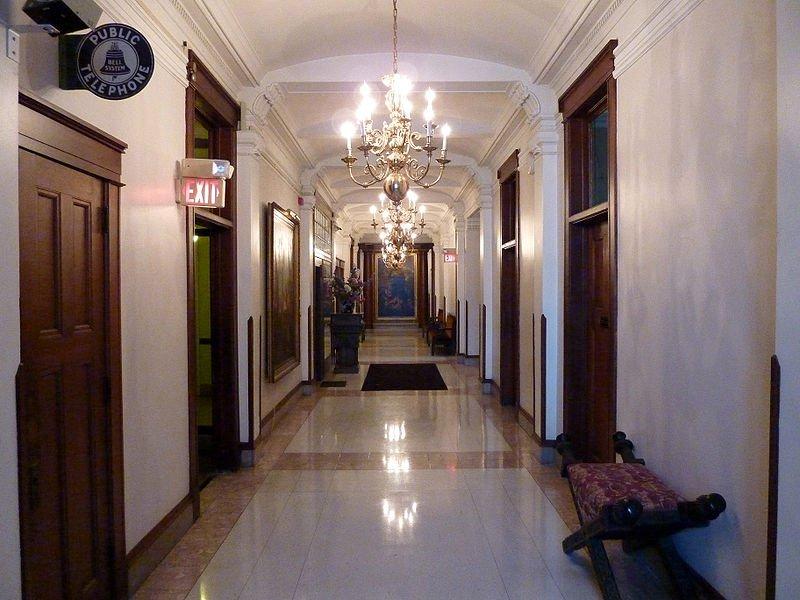 Koridoro.jpg.d4cb4f90c1b606a30b1f43491381621d.jpg